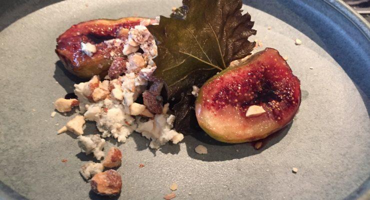 Baked figs, vine leaf