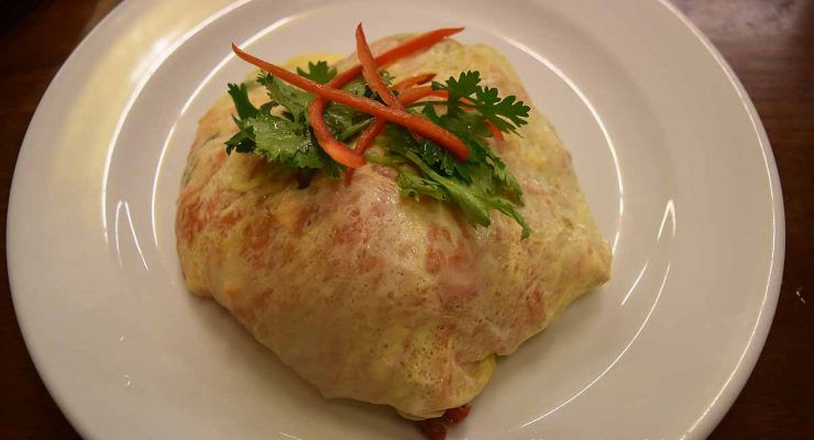 Thip Samai - Superb Pad Thai (wrapped in omelette)